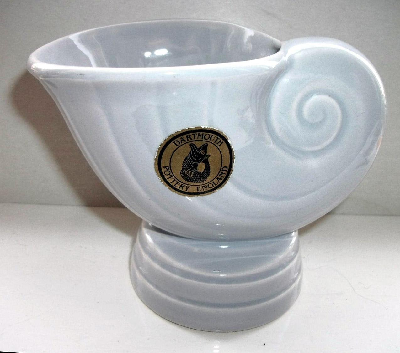 Shell vase D247