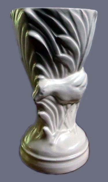 Moorhen vase  802