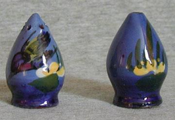 Longpark Pottery miniature salt & pepper, 1.5ins