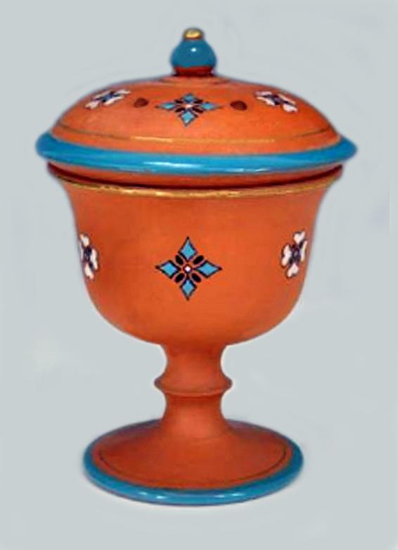Torquay Terracotta Company. A fine lidded goblet.