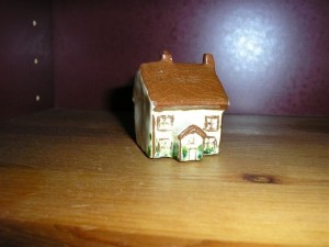 Mintiature Cottage found in Devon Antique Shop